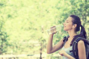夏場はどれくらい水分を摂取すれば良いの?のアイキャッチ