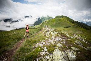 ウルトラマラソンを完走するためのトレーニングメニューやコツのアイキャッチ