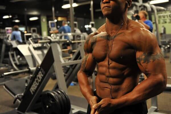 体の筋肉量を増やせば基礎代謝が上がる理由を詳しく解説のアイキャッチ