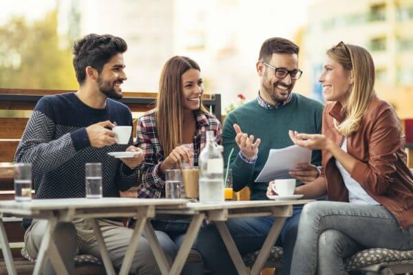 恋人や友人との会話でストレスが緩和するって本当?のアイキャッチ