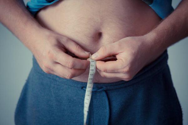 無茶な食事制限は肥満への近道…その理由とは?のアイキャッチ
