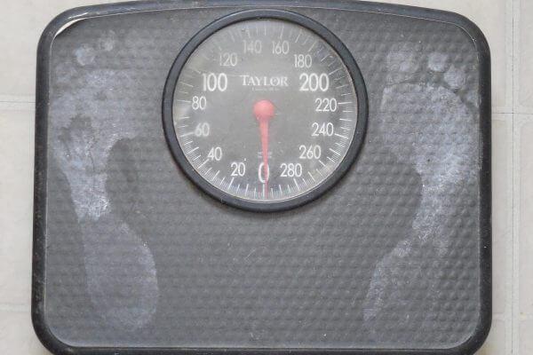1日に20キロカロリー減らせば、1年で体脂肪が1キロ減る。のアイキャッチ