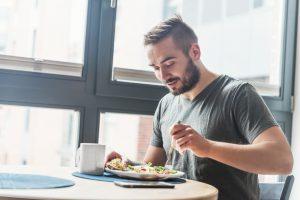 シンプルに続ける男のダイエット食事法のアイキャッチ