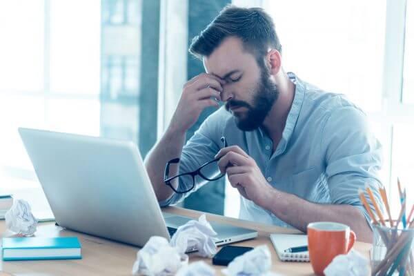 過労死や突然死の原因 「疲労感なき疲労」とは?のアイキャッチ